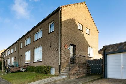 Laurierstraat 22 in Heerlen 6413 RP