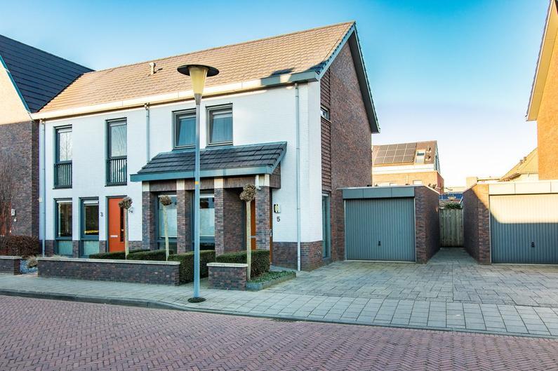 Mau De Jongstraat 5 in Zaltbommel 5302 VB
