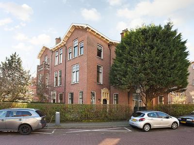 Johan Van Oldenbarneveltlaan 84 in 'S-Gravenhage 2582 NX