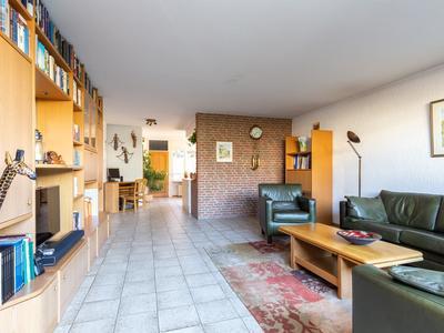 Mecklenburg 47 in Sassenheim 2171 DV