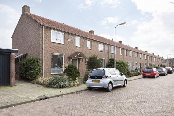 Anthonie Van Dyckstraat 1 in Deventer 7412 RK