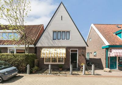 Nicolaas Baurstraat 16 in Harlingen 8861 HZ