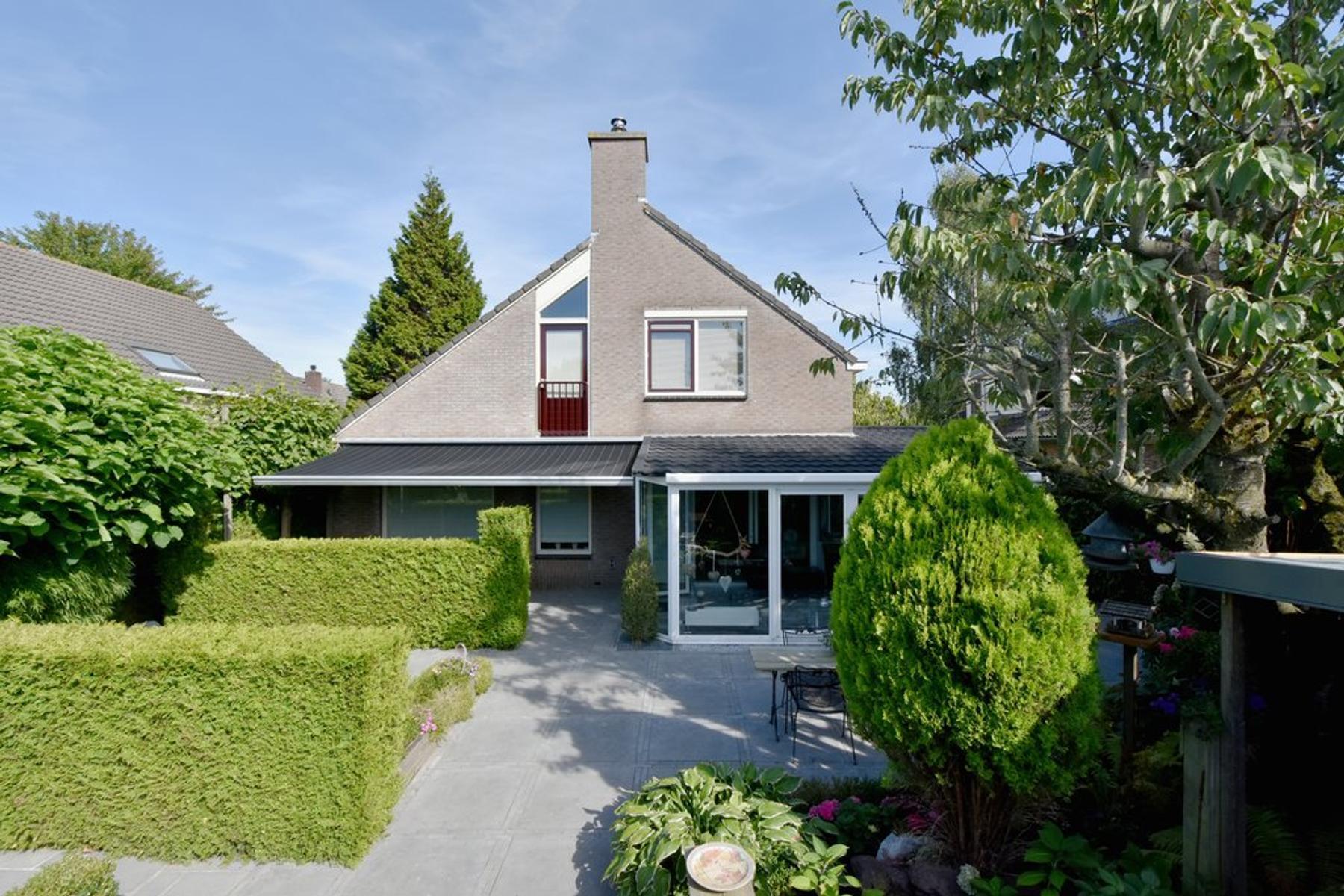Bunschotenstraat 10 in Almere 1324 PD