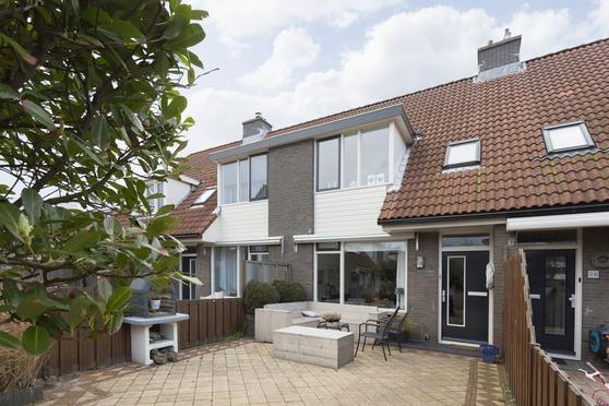Regulus 27 in Katwijk 2221 MT