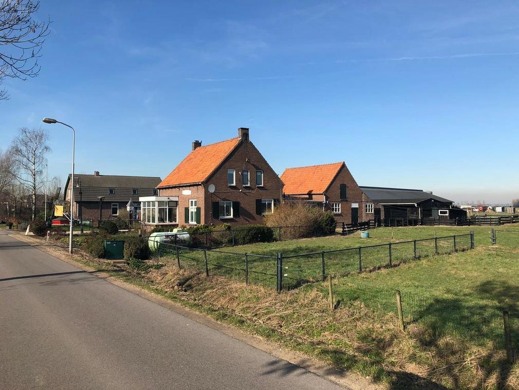 Parallelweg-Noord 4 in Valburg 6675 NC