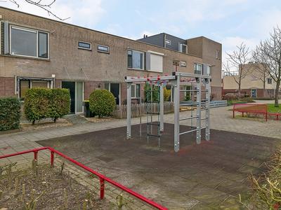 Multatulipad 65 in Oud-Beijerland 3261 SL