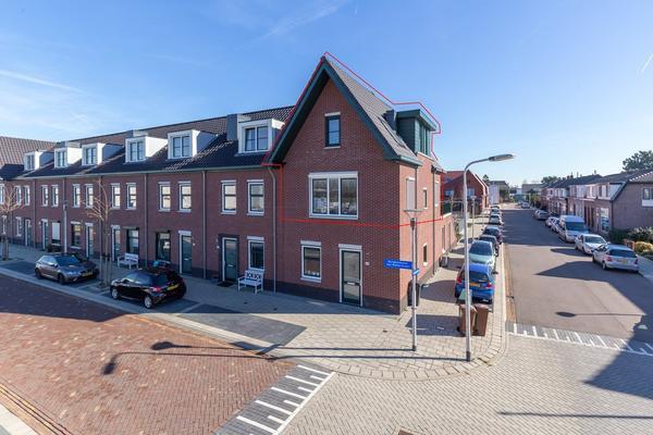 Burgemeester Van Niekerklaan 58 in Hillegom 2182 GM