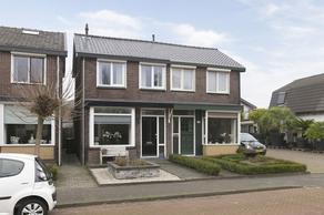 Parallelweg 98 in Veenendaal 3903 BE