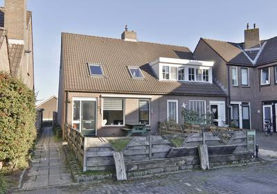 Van Leeuwenhoekstraat 15 in Hoogeveen 7908 BH