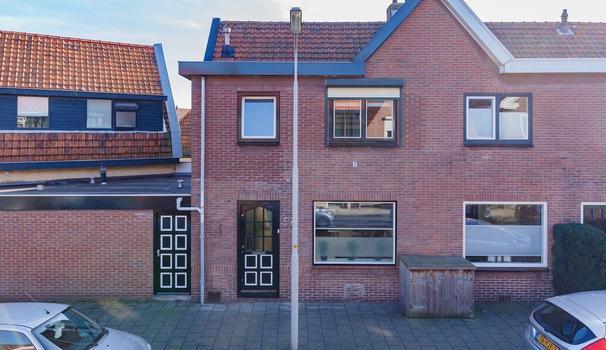 De Ruyterstraat 97 in IJmuiden 1971 BD