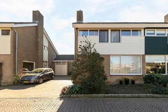 Roerdompstraat 12 in Enkhuizen 1602 RV