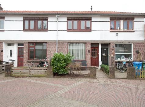 Leliestraat 4 in Alphen Aan Den Rijn 2406 BM