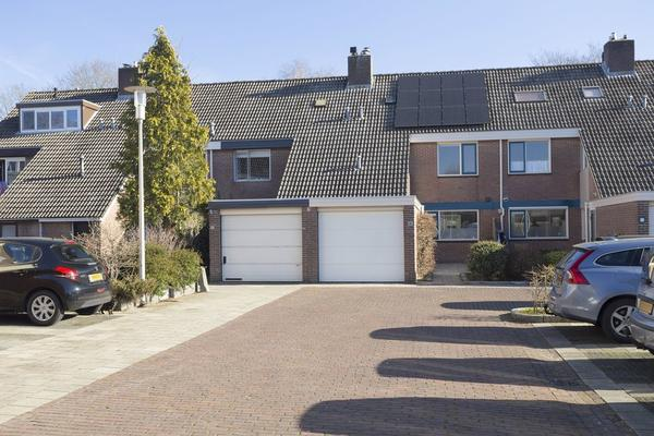 Esdoornhof 16 in Kampen 8266 GA