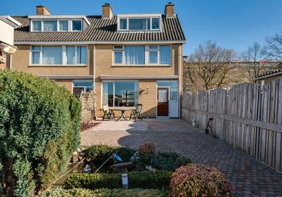 IJsselstraat 40 in Ridderkerk 2987 CZ