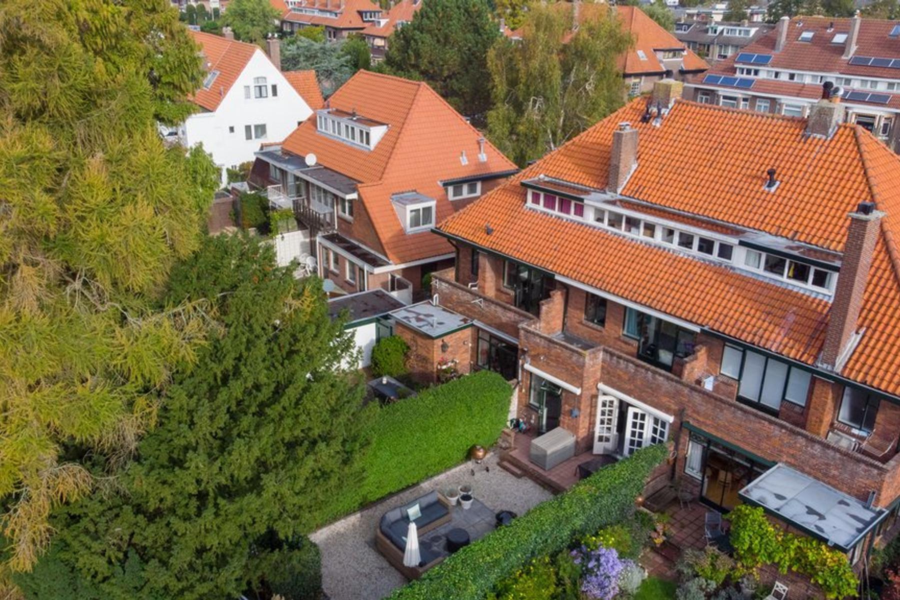Van Zuylen Van Nijeveltstraat 45 in Wassenaar 2242 AJ