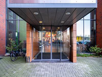 H.J.E. Wenckebachweg 210 in Amsterdam 1096 AS