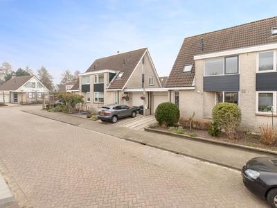 Nicolaas Verschoorstraat 5 in Hellevoetsluis 3223 RK