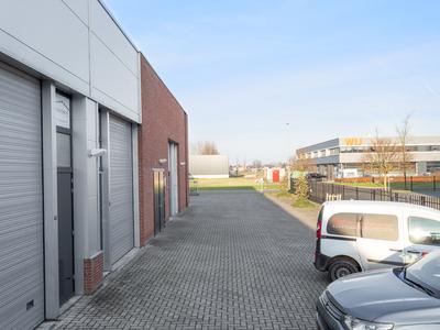 Aston Martinlaan 54 in Oud-Beijerland 3261 NB