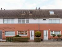 Essehout 17 in Zoetermeer 2719 MD