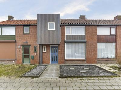 Margrietstraat 12 in Hoek 4542 AT