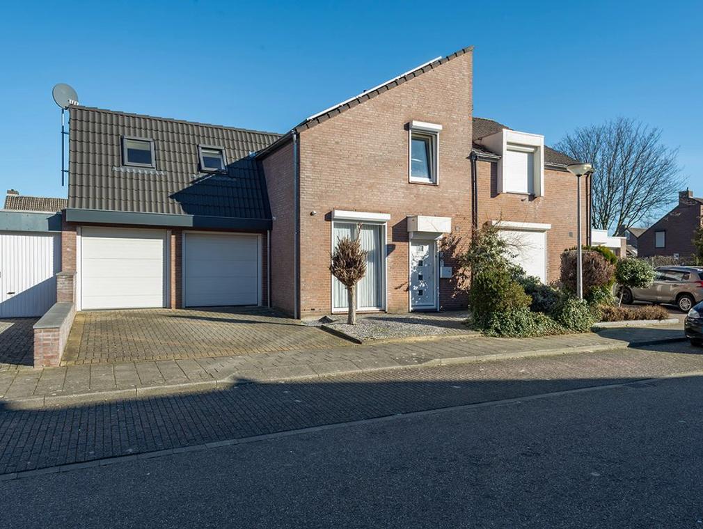 Karel De Grotestraat 47 in Sittard 6132 EG