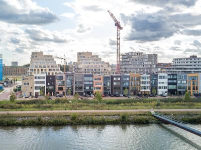 Kea Boumanstraat 124 -A in Amsterdam 1095 MA