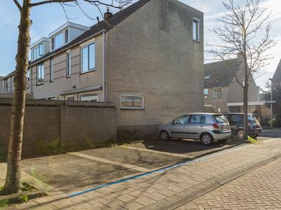 Lissabonstraat 9 in Alphen Aan Den Rijn 2408 EE