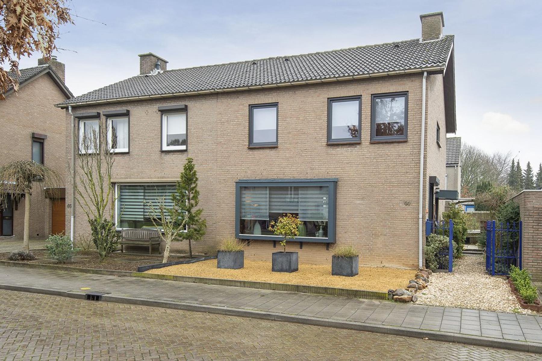 Rietbeek 44 in Geleen 6166 GV