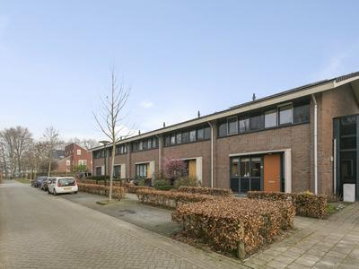 Ab Hakeboomstraat 4 in Deventer 7425 SR