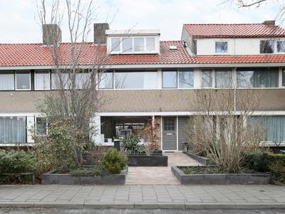 Prof. Ter Veenstraat 51 in Emmeloord 8302 GA