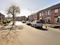 Burgemeester Van Deelensingel 78 in Velden 5941 BD