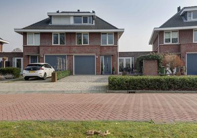 Menno Van Coehoornsingel 21 in Langerak 2967 EC