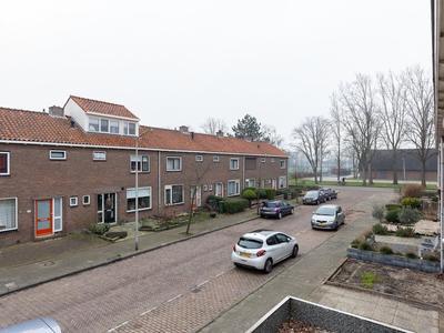 Lijsterbesstraat 14 in Waddinxveen 2742 XS