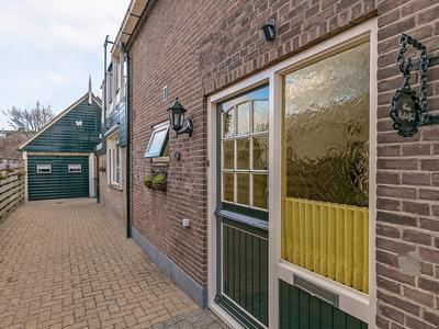 Lekdijk 371 in Nieuw-Lekkerland 2957 VA