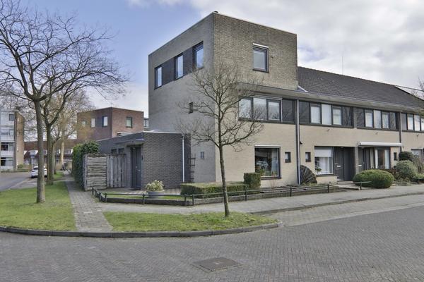 Van Damstraat 1 in Hoogeveen 7906 DB