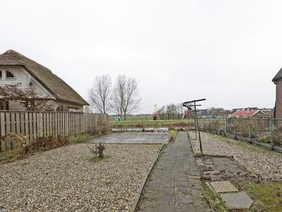 Zuideinde 143 in Nieuwkoop 2421 AD