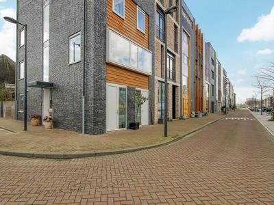 Cornelis Zillesenlaan 74 in Amsterdam 1086 ZK