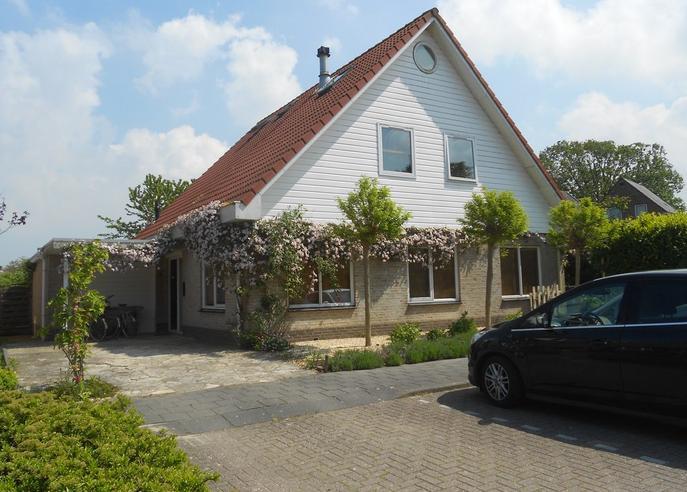 Burgemeester Romeijnstraat 2 in Ouwerkerk 4305 AD