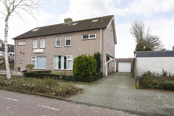 Jeroen Boschstraat 2 in Kaatsheuvel 5171 AJ