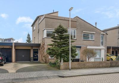 Antoni Staringlaan 62 in Vlijmen 5251 WH