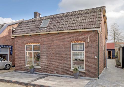 Koningin Wilhelminalaan 23 in Hardinxveld-Giessendam 3372 AA