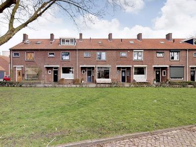 Mauritsweg 37 in Geertruidenberg 4931 CB