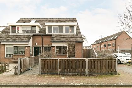 Karperveen 102 in Spijkenisse 3205 HG