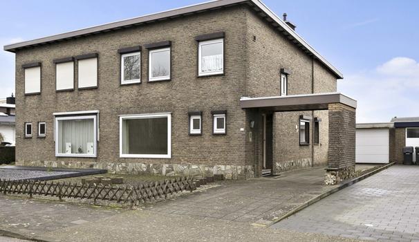 Oranjesingel 102 in Beek 6191 XW