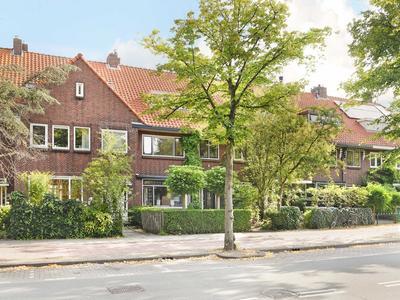 Van Zuylen Van Nijeveltstraat 130 in Wassenaar 2242 AV