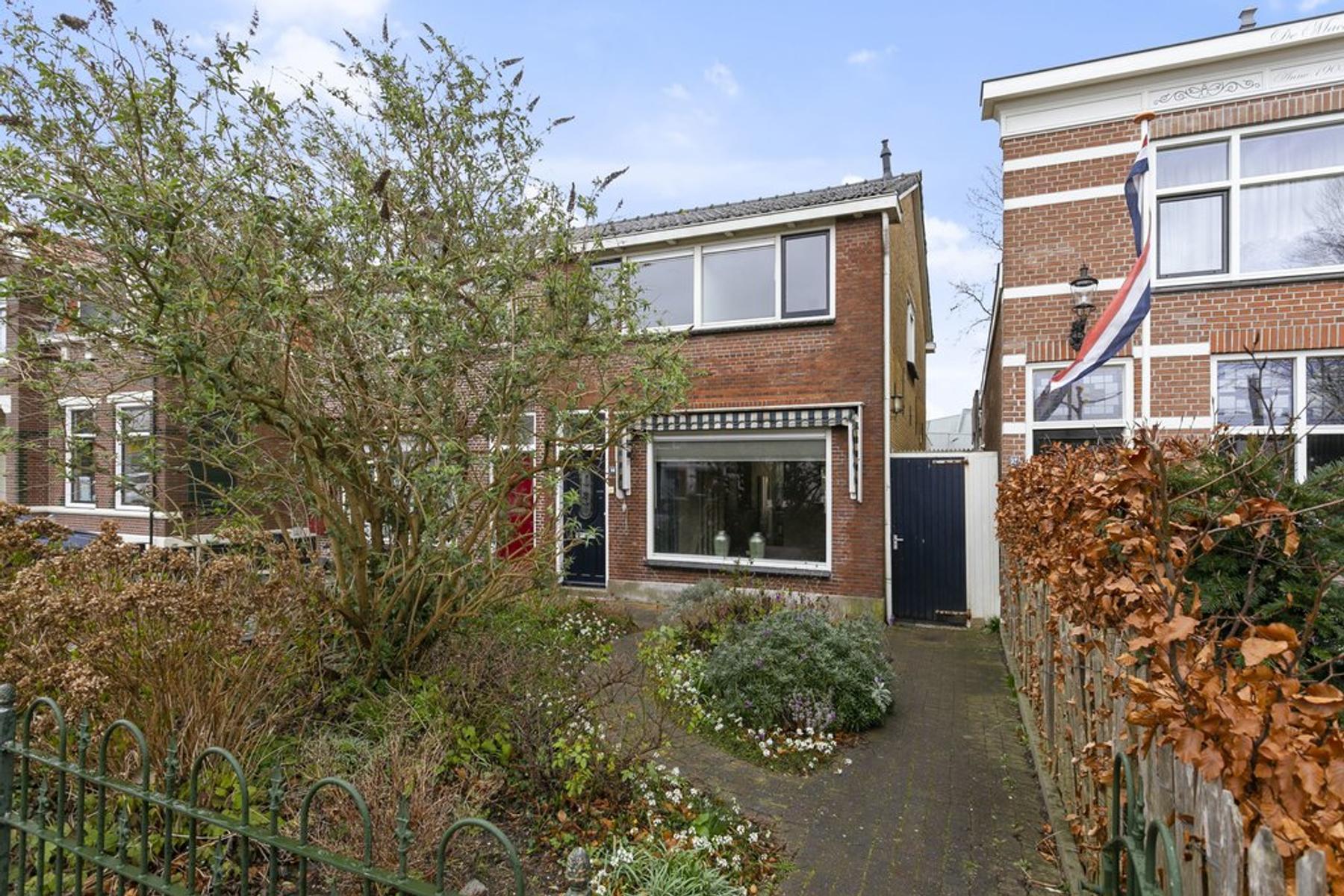 Rijksstraatweg 94 in Hellevoetsluis 3223 KB