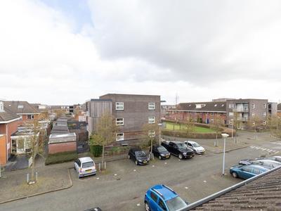 Figarolaan 48 in Nieuw-Vennep 2152 JD