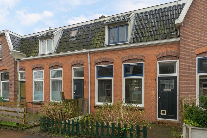 1E Saskiadwarsstraat 8 in Leeuwarden 8921 CX