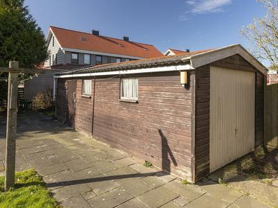 Prins Bernhardstraat 33 in Zoutkamp 9974 RS