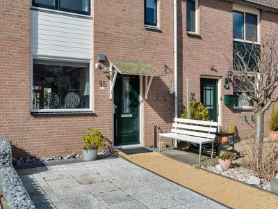 Vredenborg 15 in Hendrik-Ido-Ambacht 3343 NJ